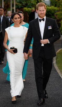 8fefaca438f27e Herzogin Meghan und Prinz Harry bezaubern bei ihrem neuesten Auftritt in  Tonga. Das Ehepaar trifft