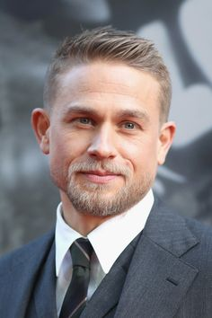 Charlie Hunnam Continues to Look Hot While Promoting King Arthur Men& is part of Thick hair styles - Comb Over Haircut, Taper Fade Haircut, Tapered Haircut, Charlie Hunnam, Short Hair Cuts, Short Hair Styles, Hair Men Style, Men Hair, Mode Man