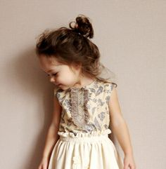 Sophisticated darling she is so adorable i hope my baby girl looks like her someday. Fashion Kids, Little Girl Fashion, Toddler Fashion, Fashion Clothes, Sweet Fashion, My Baby Girl, Baby Baby, Baby Lux, Girls Blouse