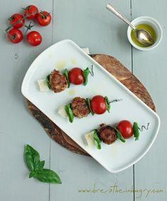 caprese-meatballs-low-carb-gluten-free-recipe-by-cupcakepedia.jpg 493×596 pixels