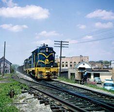 Vintage Trains, Train Tracks, Diesel Engine, Cincinnati, Bridges, Ohio, 1970s, Cars, American