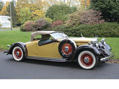 1932 Huppmobile Custom Roadster - (Hupp Motor Car Corp. Detroit, Michigan, 1908-1940)