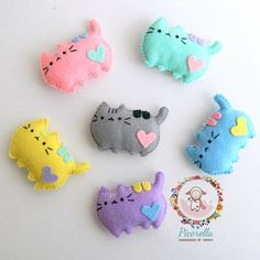 A set of Felt Pusheen Cat Party Favor Felt Pusheen Cat Baby Felt Crafts Diy, Cat Crafts, Crafts For Kids, Pusheen Birthday, Cat Birthday, Birthday Cake, Birthday Parties, Cat Keychain, Felt Cat
