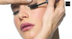 Watch Bobbi Brown create her classic eye makeup look using only 3 products – eyeshadow, eyeliner and mascara.