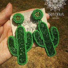 Disfruta del Verano con nuestros accesorios 100% handmade. Dyi Earrings, Cactus Earrings, Beaded Tassel Earrings, Homemade Jewelry, Diy Jewelry, Beaded Jewelry, Jewelry Making, Embroidery Jewelry, Beaded Embroidery