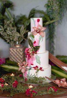 Tropical Wedding Cake, Green and Fucsia. Portfolio Tartas Fondant – Sweetmama
