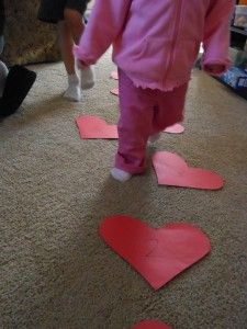 """Toddler Valentine Hearts (4)   """"Heart Hop""""  I love this idea for the wee ones from amomwithalessonplan.com"""