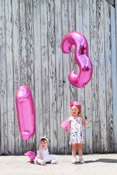 Birthday Party Photography Tips - 6 tips to photograph the party details but still enjoy every minute!