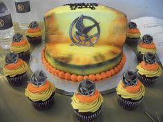 Hunger Games cake and cupcakes