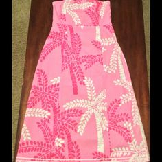 Lilly Pulitzer Dress Pink Palm 6 Beautiful dress! Excellent condition. Size 6 Lilly Pulitzer Dresses Strapless