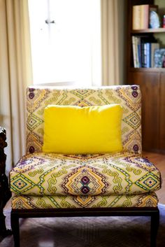 This chair is so funky! I love it! Very 70's Marrakech.