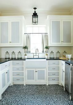 Two Tone Kitchen Cabinets To Reinspire Your Favorite Spot In The - Painting kitchen cabinet doors different color than frame