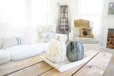 Little Farmstead: Fall Farmhouse Style Living Room...
