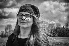 Dee Nickerson - artist from Norfolk Naive Art, Outsider Art, Soft Sculpture, Art World, Female Art, Graphic Illustration, Picture Video, Illustrators, Folk Art