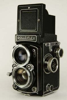 Rolleiflex vintage camera ♥♥♥♥♥ I have to find me one of these for my collection love doesn't have to work want one just for the look and style also but working would be super amazin