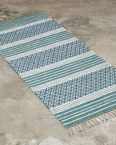 Anki rugs is the supplier of custom handmade rugs. — ANKI - Anki rugs is the supplier of custom handmade rugs. Weaving Designs, Weaving Projects, Weaving Patterns, Loom Weaving, Hand Weaving, Crochet Home Decor, Handmade Rugs, Handmade Crafts, Handmade Headbands