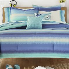 1000 ideas about blue comforter sets on pinterest blue for Electric blue bedroom ideas