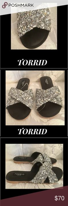 🦋Torrid Seashell Rhinestone Sandal Torrid is the name in fashion,catering to comfort and style, Encrusted Seashell Rhinestone Criss Cross Sandals  Easy slip on off  Sz 6 W torrid Shoes Flats & Loafers