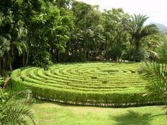Circular labyrinth, Parque Malwee, Jaraguá do Sul, Brasil  Source: Herr stahlhoefer/Wikimedia