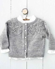 Heart Cardigan-p. Knitting For Kids, Baby Knitting Patterns, Crochet For Kids, Knit Crochet, Baby Cardigan, Cardigan Bebe, Baby Outfits, Newborn Outfits, Knit Baby Sweaters