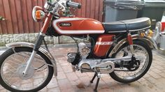 Restored Yamaha - 1974 Photographs at Classic Bikes Restored - 50cc Moped, Small Motorcycles, Japanese Motorcycle, Classic Bikes, Vintage Japanese, Cool Gadgets, Motorbikes, Yamaha, Biker