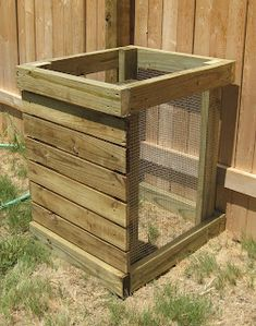Next To Heaven: DIY Compost Bin I really like this idea for a compost bin.