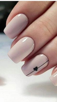 Have you heard of the idea of minimalist nail art designs? These nail designs are simple and beautiful. You need to make an art on your finger, whether it's simple or fancy nail art, it looks good. Simple Acrylic Nails, Cute Acrylic Nails, Glitter Nails, Autumn Nails Acrylic, Neutral Gel Nails, Cute Gel Nails, Gold Nail, Sparkle Nails, Acrylic Gel