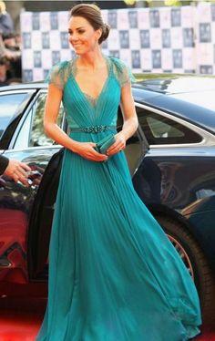Vestido Azul turquesa que porta la princesa Kate Cuello en V en Chiffon De Barbara Dress $182 doláres