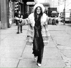 Net Image: Janis Joplin: Photo ID: . Picture of Janis Joplin - Latest Janis Joplin Photo. Janis Joplin, Rock N Roll, Jimi Hendricks, Estilo Hippie, Blues Rock, Female Singers, Star Fashion, Her Style, Style Icons