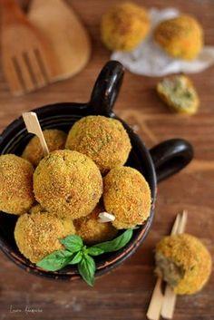 Chiftele de dovlecei si ciuperci reteta. Chiftele cu dovlecei zucchini. Gustare rece sau calda cu dovlecei. Ingrediente si mod de preparare chiftele de dovlecei si ciuperci.