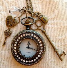 Press top knob to open the lid, pull up the top knob to adjust the time. Watch: in diameter. Retro Clock, Vintage Clocks, Pocket Watch Necklace, Antique Keys, Vintage Pocket Watch, Bronze Pendant, Homemade Jewelry, Unique Jewelry, Key Jewelry