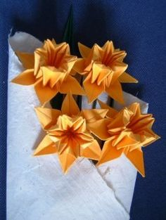 How to make origami daffodil instructions. Make some beautiful spring flowers perfect for mother's day, birthdays, weddings, anniversaries and...