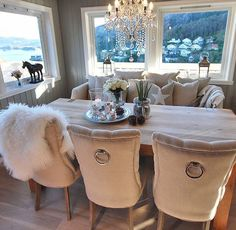 Have a nice day everyone via by unknown (DM) Home Living Room, Interior Design Living Room, Living Room Decor, Luxury Dining Room, Beautiful Dining Rooms, Sweet Home, Rustic Shabby Chic, Luxury Home Decor, Interior Inspiration