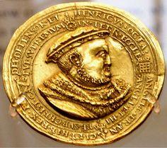 A Medal of Henry VIII, 1545 History Of England, Tudor History, Historical Artifacts, Ancient Artifacts, Tudor Monarchs, Tudor Dynasty, Tudor Era, King Henry Viii, Plantagenet