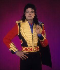 leave me alone statue michael jackson - Yahoo Image Search Results Michael Jackson Photoshoot, Michael Jackson Bad Era, Janet Jackson, Bad Michael, George Michael, Invincible Michael Jackson, King Of Music, The Jacksons, Fantasy