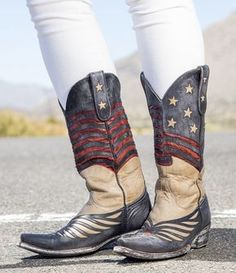 Old Gringo United Bone Blue Red Boots Picture Blue Cowgirl Boots, Green Boots, Western Boots, Cowgirl Style, Western Style, Old Gringo Boots, Boho Shoes, Short Boots, 3 Picture