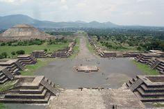 Teotihuacan, vista de la Calzada de los Muertos - Foto: Jackhynes