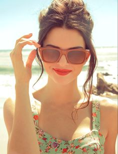 red lips, sunglasses, and sundresses...summer for ya!
