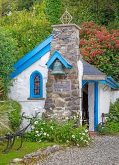Gobban's Chapel in Portbraddan, a hamlet in County Antrim, Northern Ireland.ten of the most beautiful chapels in europe Old Country Churches, Old Churches, Casas Country, Houses Of The Holy, Sistine Chapel, Church Architecture, Cathedral Church, Europe Photos, Church Building