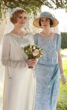 Laura Carmichael as Lady Edith Crawley on her wedding day, Downton Abbey. Downton Abbey Costumes, Downton Abbey Fashion, Edith Crawley, Lady Mary Crawley, Mejores Series Tv, Laura Carmichael, Black Characters, Drame, Mother Of The Bride