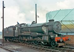 """GWR County-class 1000 """"County of Middlesex"""",Salop Shed. She lasted less than twenty years, meeting her end at Cashmores in Live Steam Locomotive, Locomotive Engine, Diesel Locomotive, Steam Trains Uk, Buses And Trains, Steam Railway, Abandoned Train, Train Times, British Rail"""