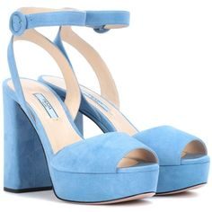 Prada Suede Platform Sandals (2.305.515 COP) ❤ liked on Polyvore featuring shoes, sandals, blue, prada, prada footwear, platform sandals, blue platform shoes and blue suede shoes