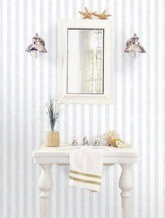 Carta da parati a righe grigio chiaro effetto lino Vanity, Architecture, Rue, Furniture, Home Decor, Ideas, Letters, Dressing Tables, Arquitetura
