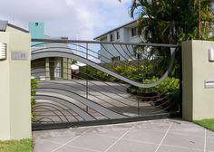 Contemporary Gate http://www.pinterest.com/avivbeber3/contemporary-doors-gates-fence/