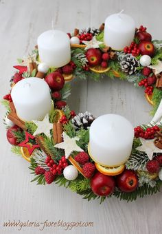 Christmas Wreaths, Christmas Decorations, Table Decorations, Holiday Decor, Diy And Crafts, Recipes, Home Decor, Xmas, Decoration Home