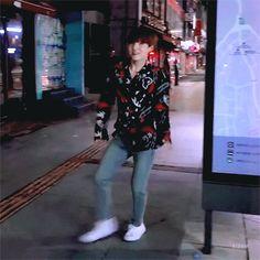 Yoongi wiggle dance gif