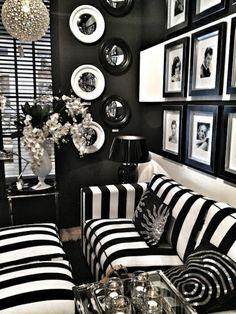 Die schwarze Tapete schafft eine künstlerische Wohnlandschaft in Ihrem Haus - http://freshideen.com/wohnideen/schwarze-tapete.html