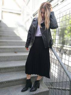FEDERATION - PLEATS SKIRT - BLACK Black Pleated Skirt, Midi Skirt, Classic Chic, Knitwear, Tulle, Casual, Skirts, Beautiful, Fashion