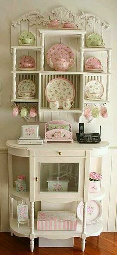 Shabby chic♥ Pink and green dishes and accessories., Shabby stylish♥ Pink and inexperienced dishes and equipment. Shabby stylish♥ Pink and inexperienced dishes and equipment. Shabby stylish♥ Pink a. Muebles Shabby Chic, Cocina Shabby Chic, Shabby Chic Vintage, Style Shabby Chic, Shabby Chic Kitchen, Vintage Diy, Rustic Chic, Kitchen Country, Bedroom Vintage