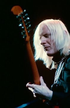 Johnny Winter, 1968: Steve Schapiro.